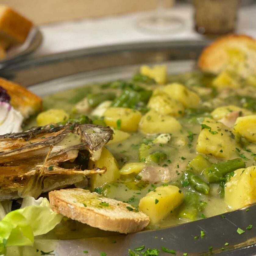 Filetto di San Pietro patate e asparagi