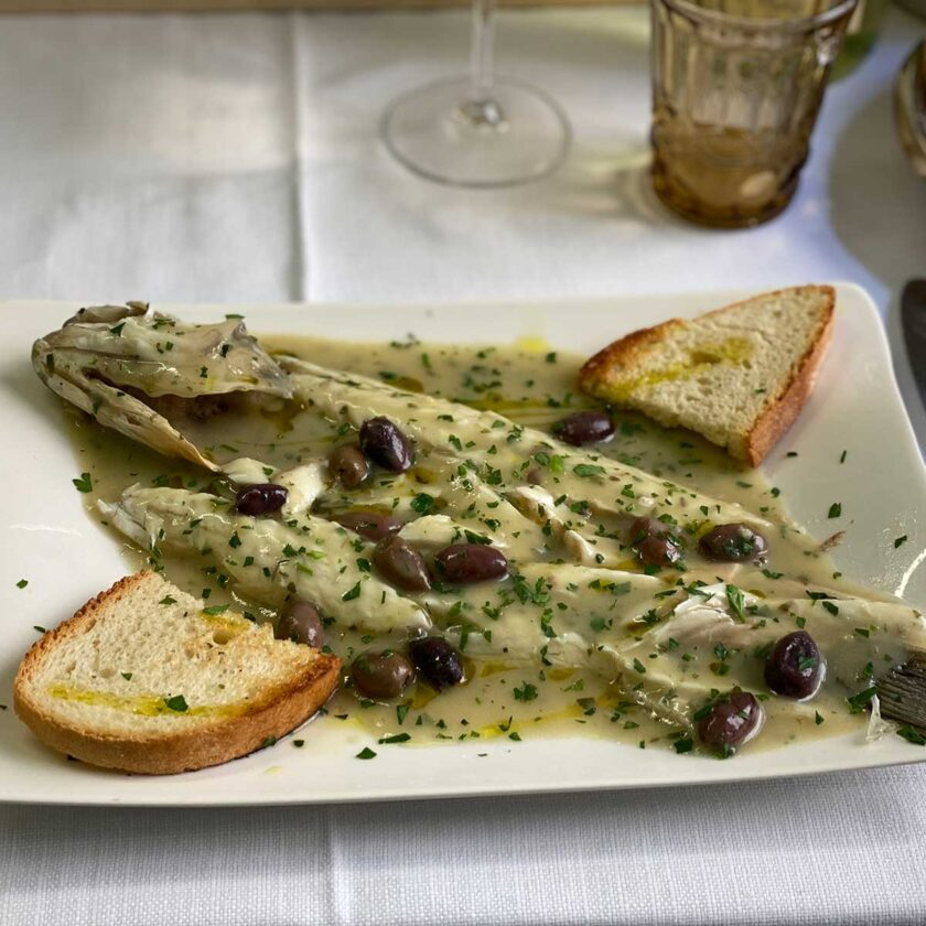 Filetto di branzino vernaccia e olive